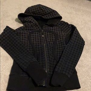Size 4 gray and black lululemon scuba hoodie